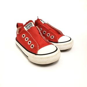 Red converse toddler size 4